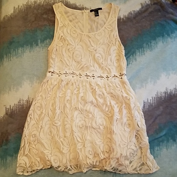 Forever 21 Dresses & Skirts - Peach Forever 21 lace dress